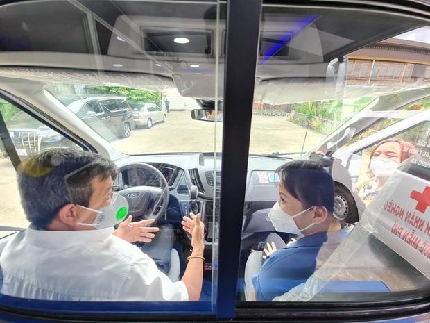 Sau 5 tháng, ông Đoàn Ngọc Hải chính thức nhận xe 2,5 tỷ: Tôi rất biết ơn Việt Hương - Ảnh 4.