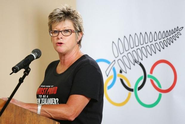 Màn đấu cử tạ rúng động Olympic Tokyo 2020: VĐV chuyển giới tranh HCV ở hạng cân nữ, thất bại toàn tập nhưng vẫn để lại nhiều tranh cãi - Ảnh 4.