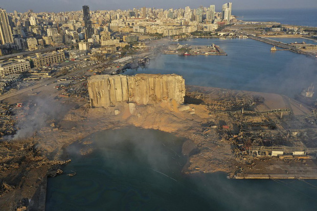 Một năm sau thảm họa ở cảng Beirut, những vết thương để lại vẫn chưa lành - Ảnh 8.