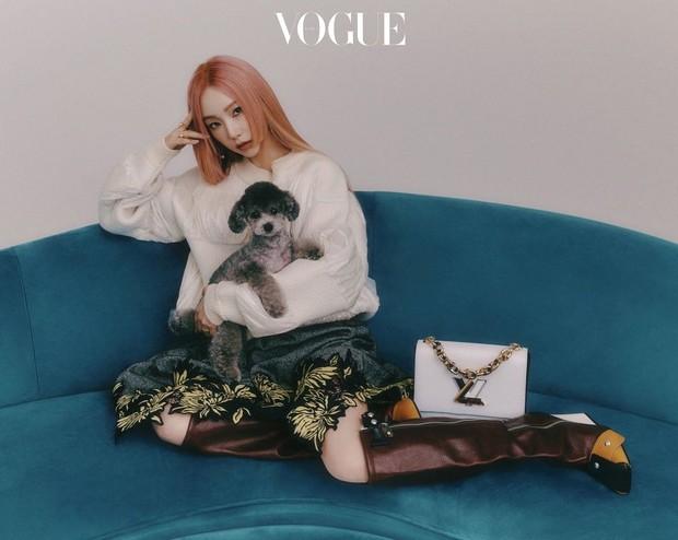 Mỹ nhân Hàn đại chiến tạp chí: Song Hye Kyo xứng danh tường thành nhan sắc, Jisoo đẹp tựa công chúa liệu có bằng Taeyeon? - Ảnh 20.