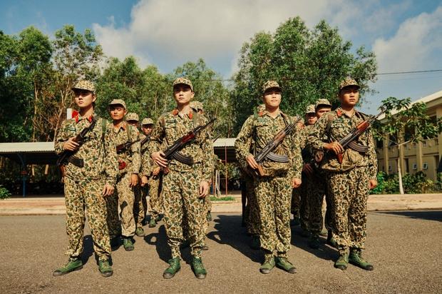 Khắp nơi xôn xao hình ảnh các anh quân nhân, MV hội tụ dàn cast Sao Nhập Ngũ chính là bài hát được nhắc đến nhiều nhất - Ảnh 4.