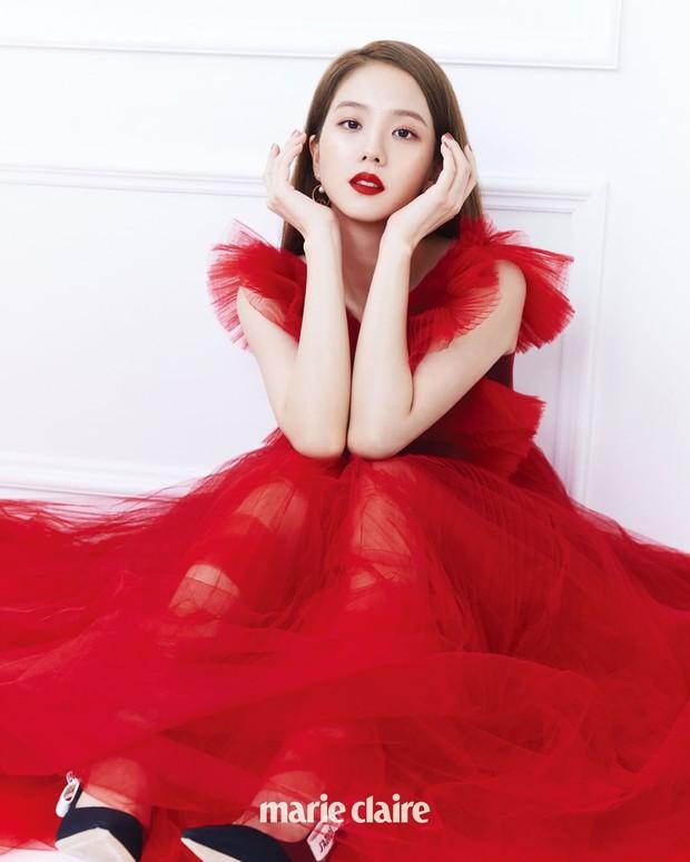 Mỹ nhân Hàn đại chiến tạp chí: Song Hye Kyo xứng danh tường thành nhan sắc, Jisoo đẹp tựa công chúa liệu có bằng Taeyeon? - Ảnh 14.