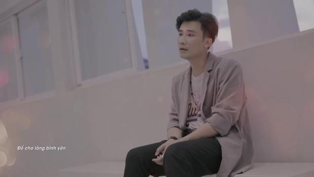 Cựu thành viên Mắt Ngọc, chủ nhân hit Chiếc Khăn Gió Ấm tái xuất trên truyền hình - Ảnh 3.