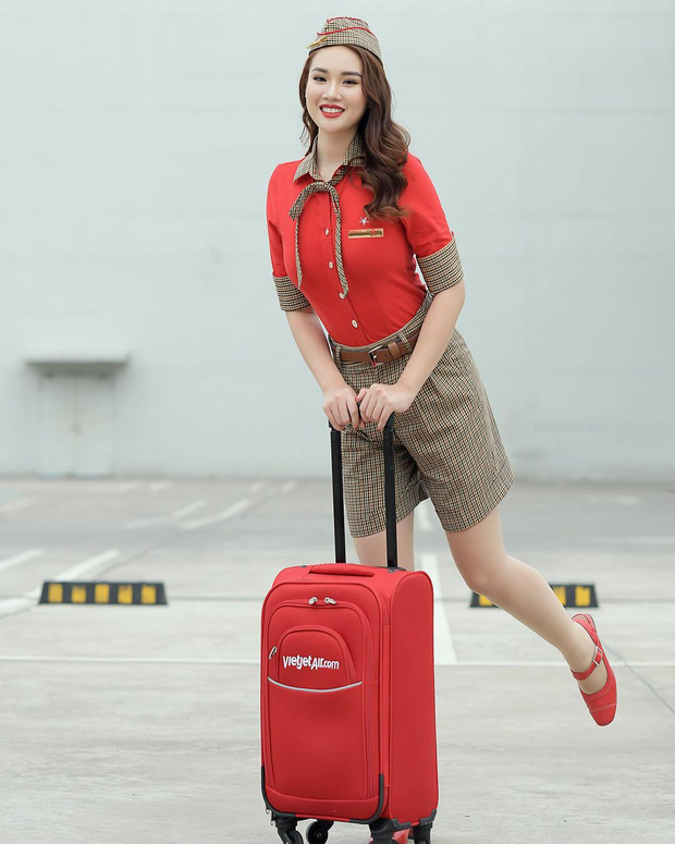 Gái đẹp bỏ ngân hàng làm tiếp viên hàng không: Từng bị gạ đi tour giá 10.000 đô, gạ làm sugar baby 50 triệu/ tháng - Ảnh 3.