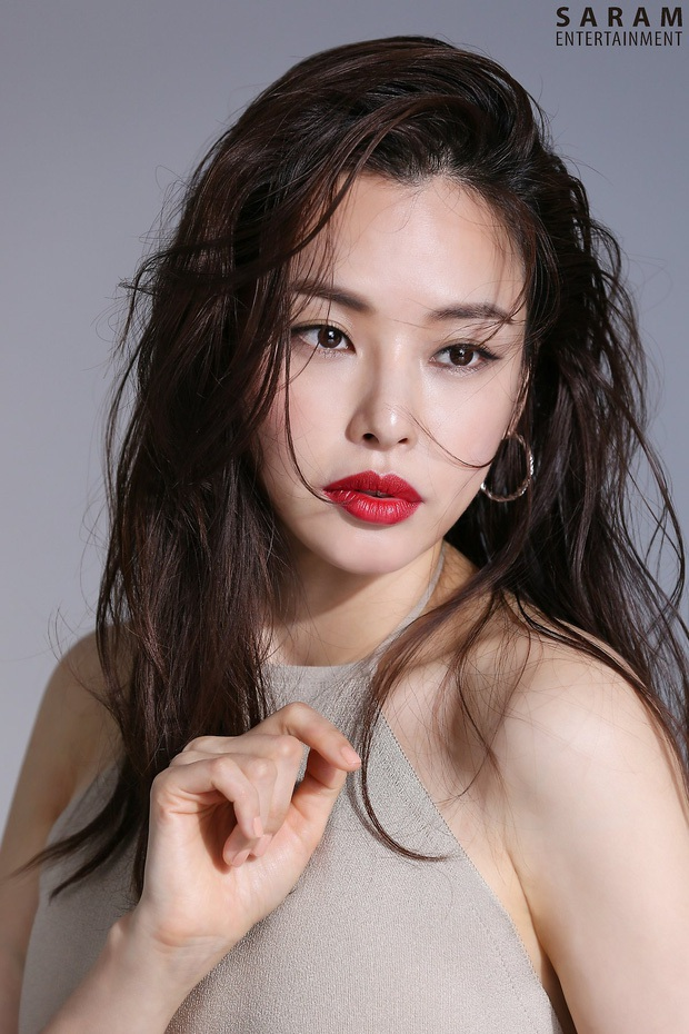 Thành viên hụt 2NE1 hội tụ cả dàn mỹ nhân siêu hot: Hết minh tinh Goblin và Goo Hye Sun đến cả Hoa hậu Hàn đẹp nhất thế giới - Ảnh 4.