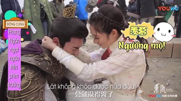 Hot lại hậu trường ngược tâm nhất Đông Cung: Lý Thừa Ngân khóc suýt hôn mê, Tiểu Phong dỗ ngọt 3 câu mà nín ngay - Ảnh 7.