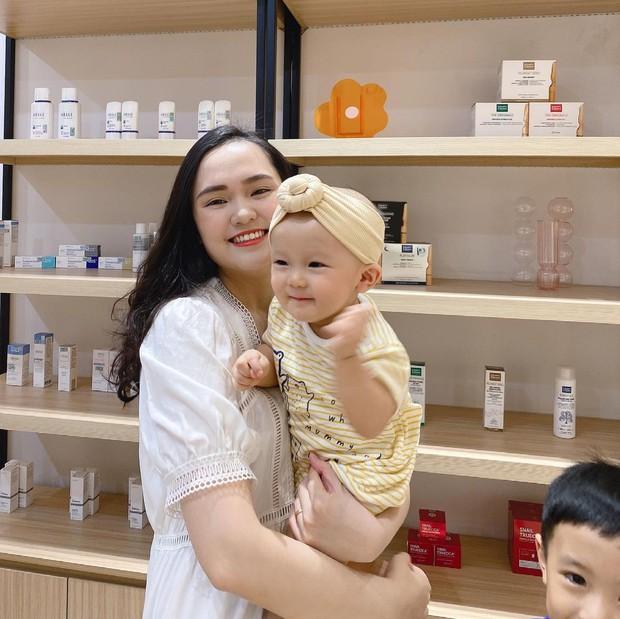 Khoảnh khắc công chúa béo Quỳnh Anh xả vai về lại hình ảnh mẹ bỉm, chắc Duy Mạnh đã thấy quen cảnh này rồi! - Ảnh 3.