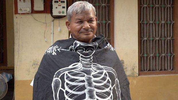 Bi kịch ai oán của những xác sống Ấn Độ: Người ta nhìn tôi như một hồn ma bóng quế - Ảnh 2.