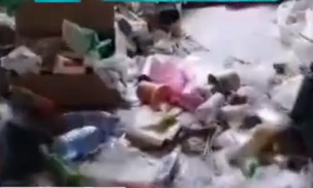 Đã bị quịt tiền thuê nhà, gia chủ còn mất thêm cả triệu bạc để dọn bãi rác siêu to khổng lồ sinh viên thuê trọ để lại - Ảnh 4.