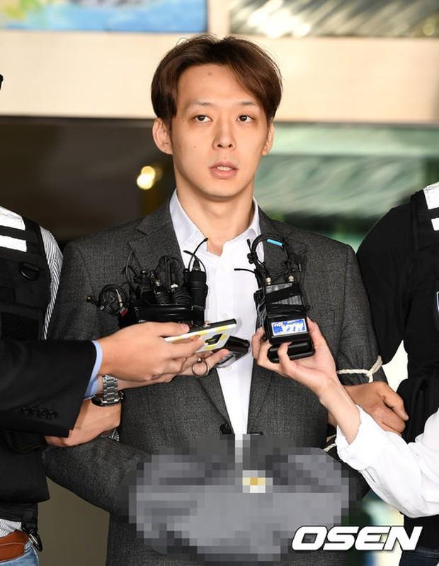 Park Yoochun chính thức lên tiếng về cáo buộc dụ dỗ fan quan hệ tập thể, ai dè bị công ty quản lý tố đánh bạc xuyên quốc gia - Ảnh 2.