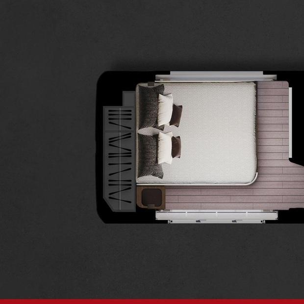 Bên trong mobihome khổng lồ 2 triệu USD: Có khoang để siêu xe Ferrari, nội thất như du thuyền trên cạn - Ảnh 2.