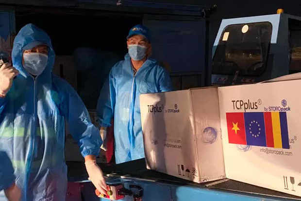 Romania tặng 300 ngàn liều vắc-xin AstraZeneca cho Việt Nam - Ảnh 2.
