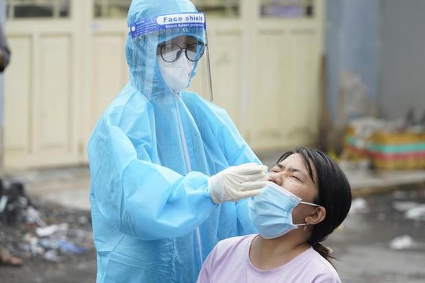 Gần 100% số ca bệnh mắc mới ở TP.HCM là F0 ngoài cộng đồng - Ảnh 1.