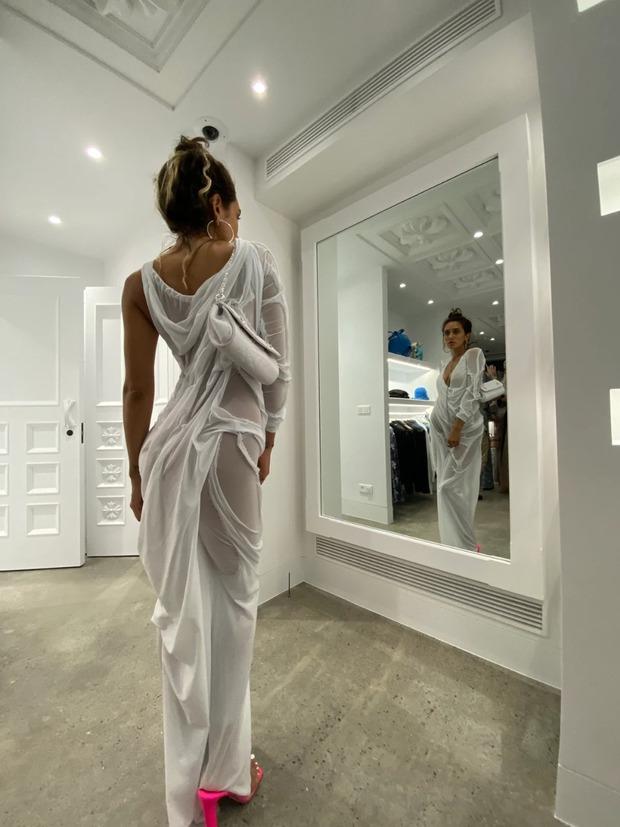 Chiếc váy ướt mà sao USUK rất mê dạo này: Lừa mắt đỉnh cao, khoe body triệt để, tưởng mỏng manh mà giá cũng gần trăm triệu đồng - Ảnh 6.
