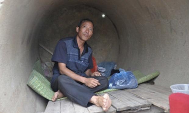 Sống trong cống, lay lắt trên vỉa hè thành phố 10 năm, bố nghèo nuôi con đỗ thủ khoa ĐH Y Hà Nội