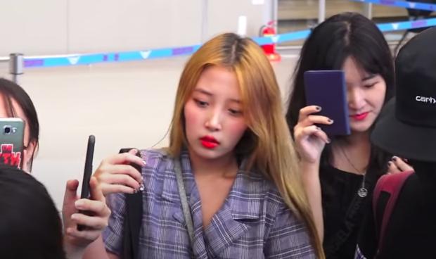 Tìm ra bức ảnh thân mật lộ liễu của Lucas (NCT) và bạn gái bí mật người Hàn, tin nhắn nam idol van xin hoà giải bị phơi bày - Ảnh 7.