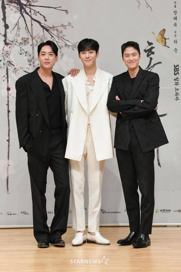 Sự kiện biến thành bữa tiệc visual: Sao nhí một thời Kim Yoo Jung tái xuất xinh xỉu, Ahn Hyo Seop như cây sào át cả 2 tài tử cực phẩm - Ảnh 10.