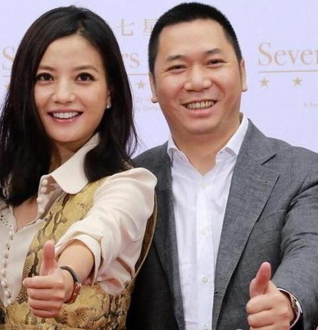 Vì sao Triệu Vy thà lấy đại gia có 1 đời vợ còn hơn chấp nhận tình yêu đơn phương suốt bao năm của Huỳnh Hiểu Minh? - Ảnh 7.
