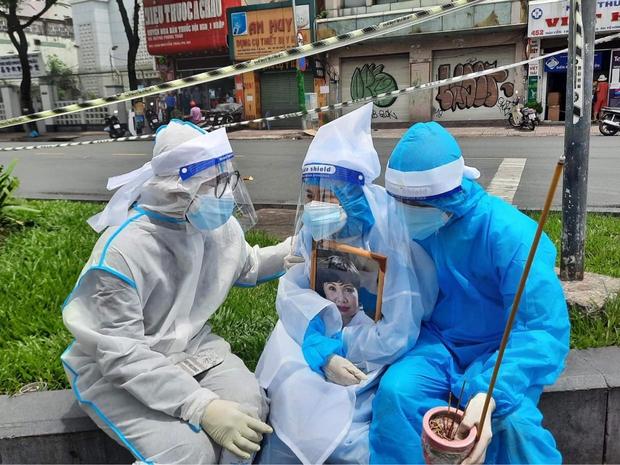 Con gái đính chính nguyên nhân NS Bạch Mai qua đời, hành động của vợ chồng Việt Hương gây xúc động mạnh - Ảnh 3.