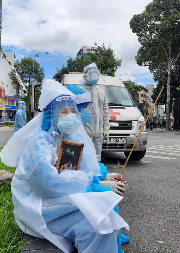 Con gái đính chính nguyên nhân NS Bạch Mai qua đời, hành động của vợ chồng Việt Hương gây xúc động mạnh - Ảnh 5.