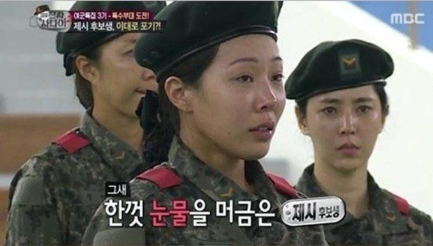 Mặt mộc sao nữ Hàn đi show quân đội: Lisa & ác nữ Penthouse đẹp xuất sắc, gây sốc nhất là người cuối cùng! - Ảnh 23.