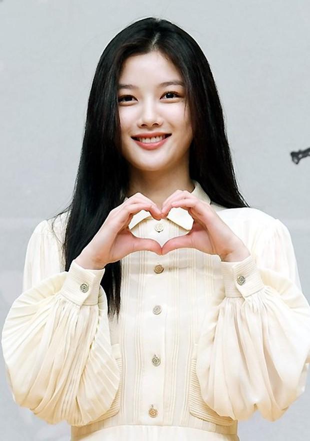 Sự kiện biến thành bữa tiệc visual: Sao nhí một thời Kim Yoo Jung tái xuất xinh xỉu, Ahn Hyo Seop như cây sào át cả 2 tài tử cực phẩm - Ảnh 2.