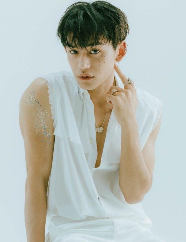 Người tổn thất nặng nhất hậu scandal Lucas (NCT): Sản phẩm debut bay màu, bị lôi ra bàn tán, khóc sưng mắt thấy thương - Ảnh 1.