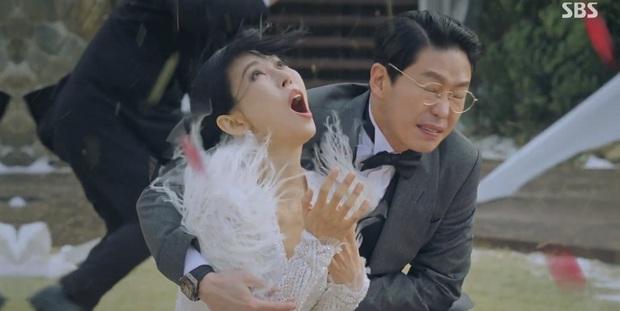 Cười bể bụng với 3 đám cưới có 1-0-2 ở phim Hàn: Hôn lễ bị thổi bay trong Penthouse thành huyền thoại meme - Ảnh 1.