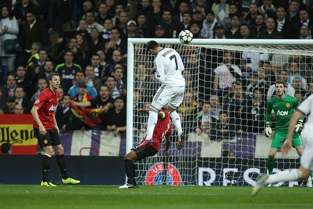 Từng tuyên bố không bao giờ khoác áo kẻ thù Man City vì yêu Man Utd, Ronaldo đang làm một cú tự vả cực mạnh? - Ảnh 1.