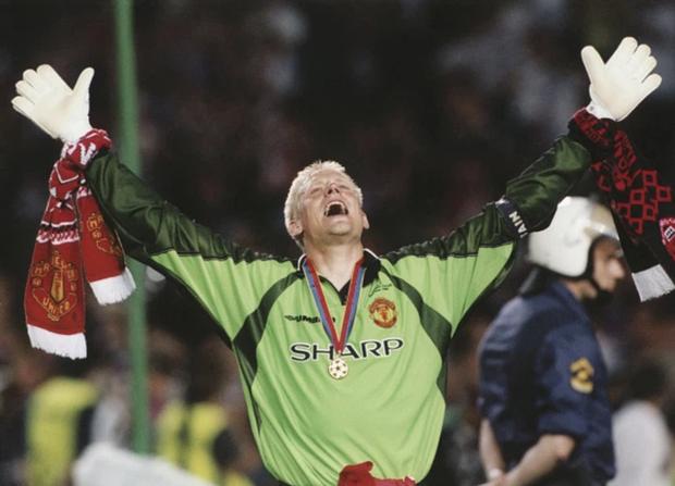 Top 5 ngôi sao từng khoác áo cả MU và kẻ thù Man City: Có người từng nguyền rủa HLV huyền thoại Sir Alex Ferguson - Ảnh 5.