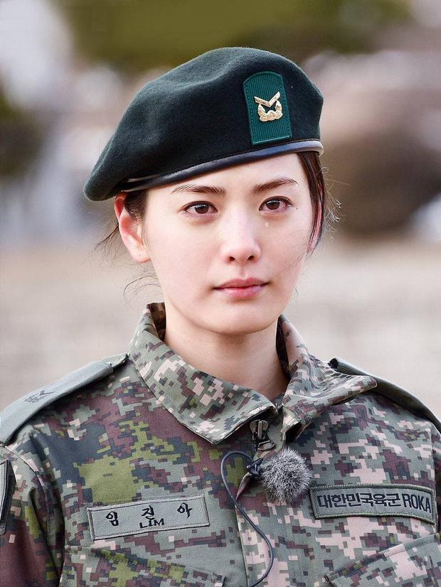 Mặt mộc sao nữ Hàn đi show quân đội: Lisa & ác nữ Penthouse đẹp xuất sắc, gây sốc nhất là người cuối cùng! - Ảnh 8.