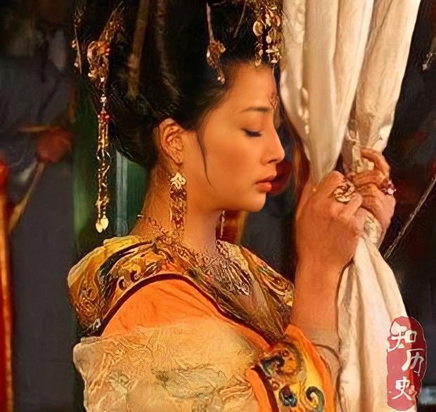 Tuẫn táng - Phong tục tang lễ tàn khốc nhất lịch sử Trung Hoa: Chôn sống, ép chết và cơn ác mộng kinh hoàng của các phi tần nhận được quá nhiều đặc ân - Ảnh 2.
