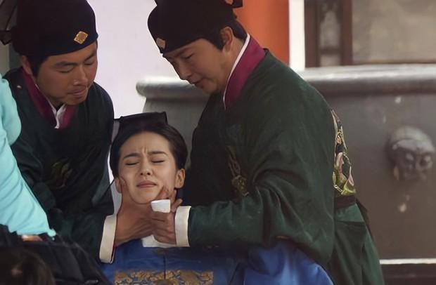 Tuẫn táng - Phong tục tang lễ tàn khốc nhất lịch sử Trung Hoa: Chôn sống, ép chết và cơn ác mộng kinh hoàng của các phi tần nhận được quá nhiều đặc ân - Ảnh 3.