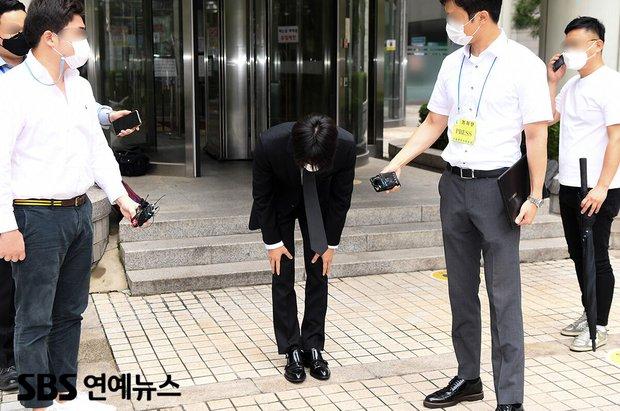 Phiên tòa xét xử B.I (iKON): Đối mặt với 3 năm tù vì ma túy bùa lưỡi, chính thức thừa nhận Tôi đã phạm phải sai lầm ngu ngốc - Ảnh 4.