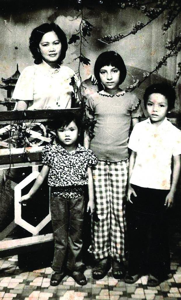 Chuyện đời buồn của Phi Nhung: Không lấy chồng, nhận nuôi 23 đứa trẻ mồ côi, những ngày cuối cùng không gần con gái ruột - Ảnh 2.