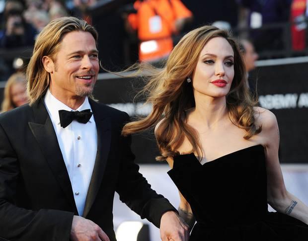 Đổ cả triệu đô kiện cáo Brad Pitt, Angelina Jolie quyết tâm gỡ gạc bằng cách hẹn hò bạn trai tỷ phú? - Ảnh 3.