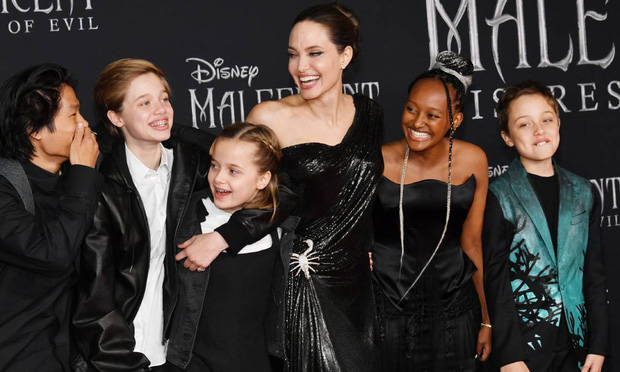 Đổ cả triệu đô kiện cáo Brad Pitt, Angelina Jolie quyết tâm gỡ gạc bằng cách hẹn hò bạn trai tỷ phú? - Ảnh 4.