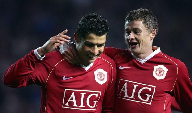 HLV Manchester United đón chào Ronaldo - Ảnh 1.