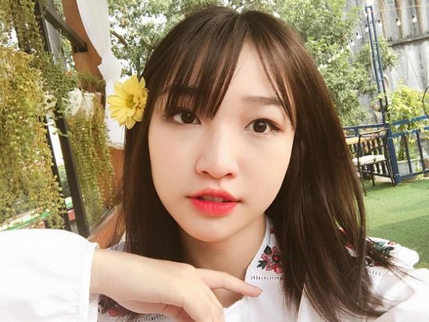 """""""Lột xác"""" khỏi mác streamer tuổi teen, Hoa Nhật Huỳnh biến hoá đa phong cách, sexy đến bất ngờ! - Ảnh 3."""