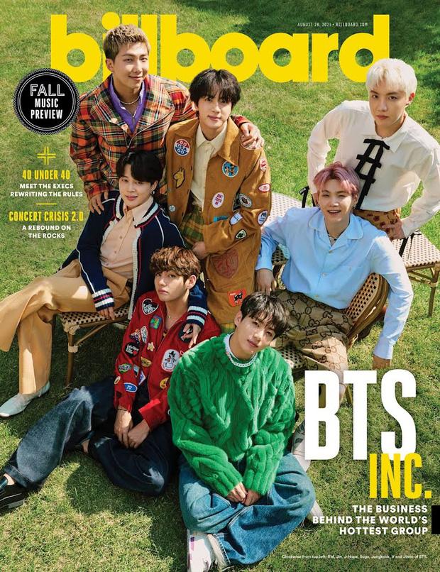 BTS dát hàng hiệu đại náo tạp chí Billboard: V - Jin khoe visual đẳng cấp thế giới, Jungkook nằm tạo dáng đủ quyến rũ mê người - Ảnh 2.
