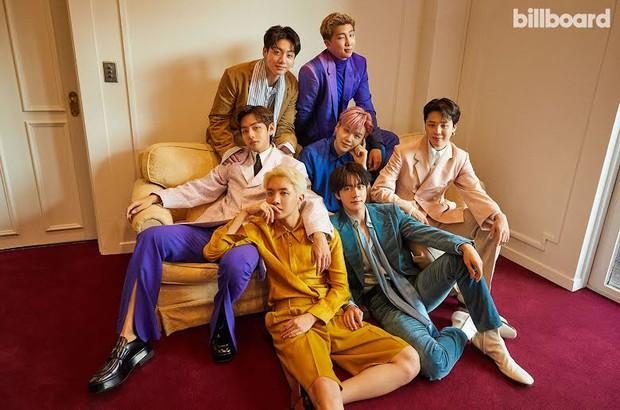 BTS dát hàng hiệu đại náo tạp chí Billboard: V - Jin khoe visual đẳng cấp thế giới, Jungkook nằm tạo dáng đủ quyến rũ mê người - Ảnh 4.