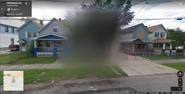"""Bí ẩn về ngôi nhà """"ác quỷ"""" không được hiển thị trên Google Maps - nơi chôn giấu vụ bắt cóc thương tâm từng ám ảnh nước Mỹ một thời - Ảnh 1."""