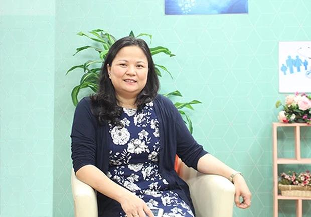 Chuyên gia Bệnh viện Bạch Mai chỉ ra 4 bài tập phục hồi hô hấp cho F0 sau khi ra viện - Ảnh 1.