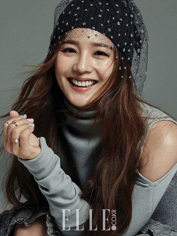 Sững sờ với ảnh hồi trẻ của Yoon Hee (Penthouse): Cố tổ visual một thời, đã đẹp xuất sắc còn đóng phim hay - Ảnh 9.