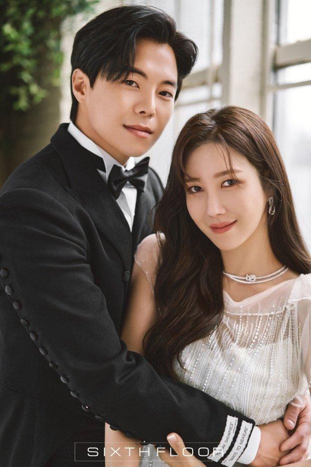 Dàn sao chụp ảnh cưới Penthouse 3 mùa cũng gây bão: Lee Ji Ah - Logan và cặp của Eugene đẹp xỉu, đỉnh nhất body Kim So Yeon - Ảnh 14.