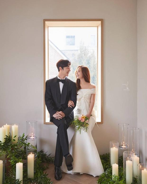 Dàn sao chụp ảnh cưới Penthouse 3 mùa cũng gây bão: Lee Ji Ah - Logan và cặp của Eugene đẹp xỉu, đỉnh nhất body Kim So Yeon - Ảnh 19.