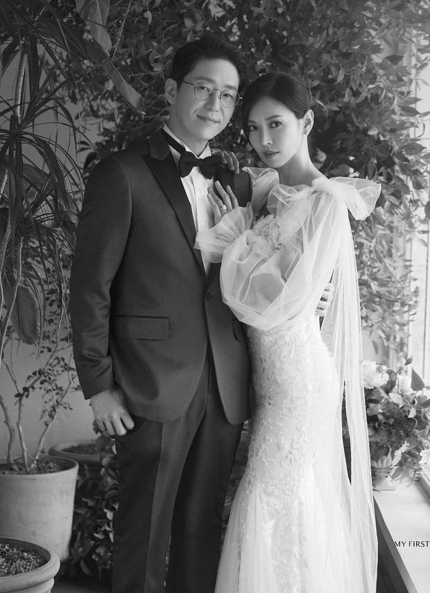 Dàn sao chụp ảnh cưới Penthouse 3 mùa cũng gây bão: Lee Ji Ah - Logan và cặp của Eugene đẹp xỉu, đỉnh nhất body Kim So Yeon - Ảnh 3.