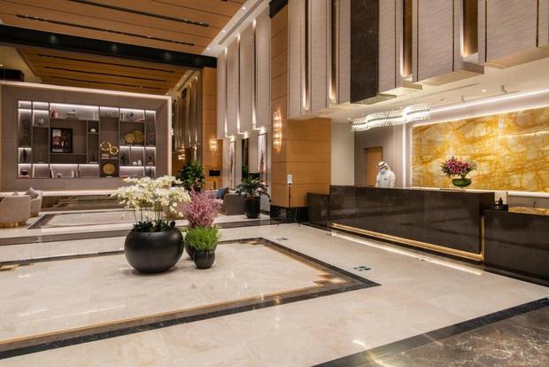 Khách sạn tuyển Việt Nam đóng quân ở Saudi Arabia: 4 sao sang trọng, phải đặt trước 3 tuần mới có chỗ - Ảnh 4.