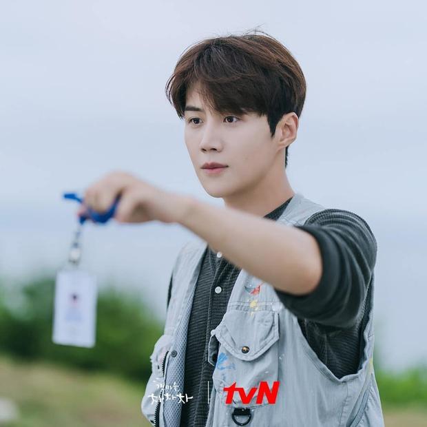 Phim của cặp đôi má lúm Kim Seon Ho - Shin Min Ah vừa lên sóng đã lọt top 10 phim có rating khởi đầu cao nhất đài cáp - Ảnh 4.