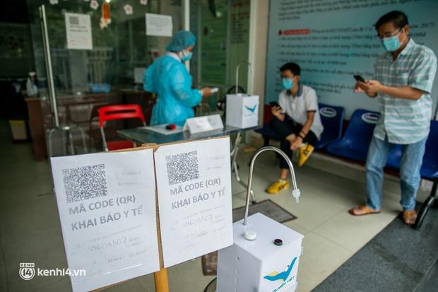 Người Sài Gòn rủ nhau đi hiến máu trước tình trạng kho máu ở BV Chợ Rẫy cạn kiệt - Ảnh 3.
